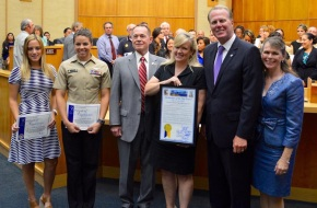 Pictured L-to-R: Mia Taravella, Coordinator, Military Affairs, San Diego Padres  AT2 Francis Pizarro, CNATTU, NI, USN LTCOL Jack Harkins, USMC (Ret) Lara Ryan City of San Diego Mayor Kevin Faulconer  Teri Simas, Community volunteer and photographer