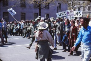 Vietnam_War_protest_in_Washington_DC_April_1971