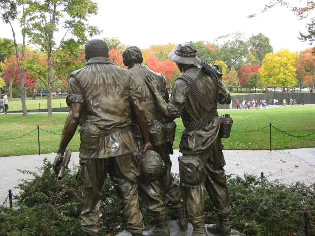 3 Servicemen Statue -10-22-09 HRotondi 002